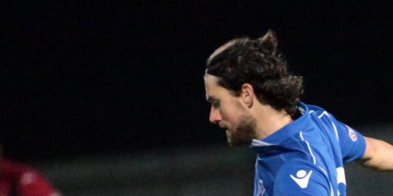 Sam Morris leaves for Highworth Town